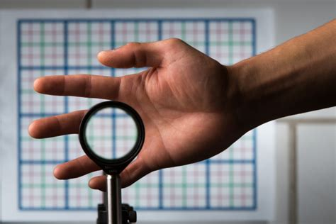 'Cloaking' device uses ordinary lenses to hide objects